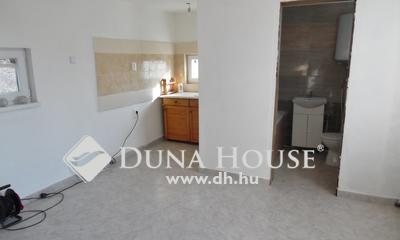 Eladó Ház, Hajdú-Bihar megye, Debrecen, Külső sámsoni út közeli gázfűtéses ház.