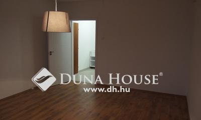 Eladó Lakás, Bács-Kiskun megye, Kiskunfélegyháza, Felújított, modern 2 szobás lakás