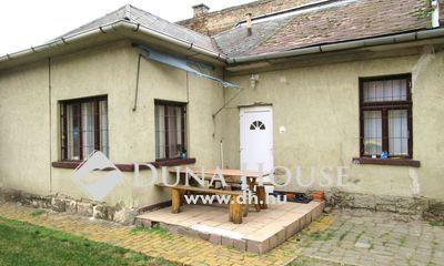 Eladó Ház, Budapest, 19 kerület, 3 szobás 215 Nm telekrésszel.