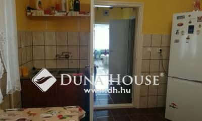 Eladó Ház, Komárom-Esztergom megye, Mocsa, Szőlő utca