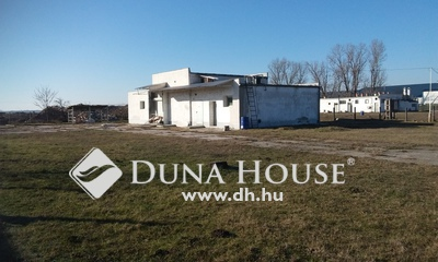 Eladó Ház, Jász-Nagykun-Szolnok megye, Jászberény, Ipari park-ban