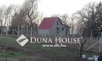 Eladó Ház, Pest megye, Kóka