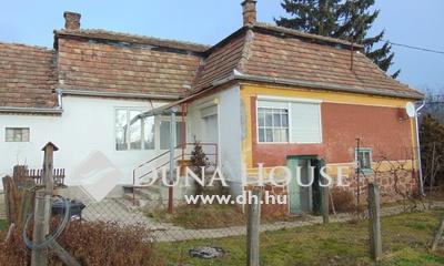 Eladó Ház, Komárom-Esztergom megye, Csatka, falu szélén csendes utca