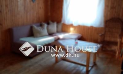 Eladó Ház, Jász-Nagykun-Szolnok megye, Portelek, Templomnál