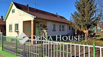 Eladó Ház, Bács-Kiskun megye, Kecskemét, Szép családi ház, ide csak költözni kell !!!