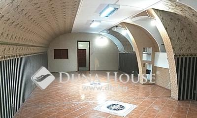 Eladó üzlethelyiség, Budapest, 7 kerület, Huszár utca