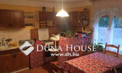 Eladó Ház, Jász-Nagykun-Szolnok megye, Portelek, Központ közelében