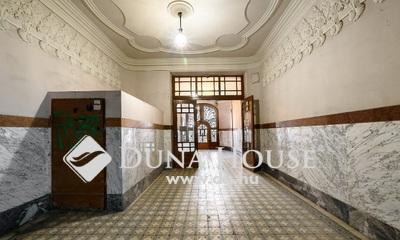 Eladó Lakás, Budapest, 6 kerület, Különleges lakás - Nagymező utca