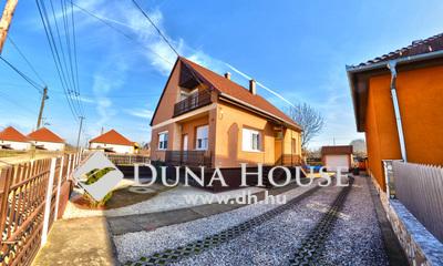 Eladó Ház, Pest megye, Kakucs, Csendes környezetben kétgenerációs ház