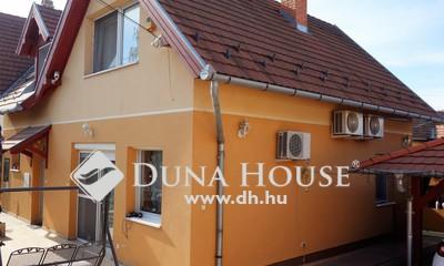 Eladó Ház, Pest megye, Dunakeszi, Újszerű 4 szobás családi ház