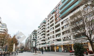 Kiadó Lakás, Budapest, 8 kerület, Corvin sétány, 2 háló, terasz, garázs és tároló