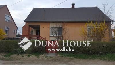 Eladó Ház, Komárom-Esztergom megye, Esztergom, Garam utca