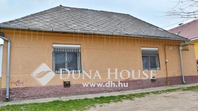 Eladó Ház, Bács-Kiskun megye, Kecskemét, Rendőrfalu, belvároshoz közeli része