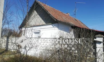 Eladó Ház, Pest megye, Tápiószentmárton, csendes, nyugodt környezetében felújítandó ház