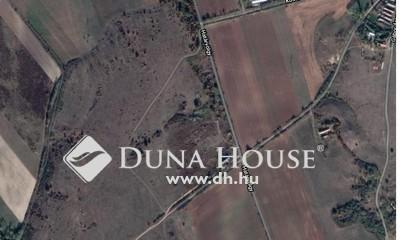 Eladó Ipari ingatlan, Veszprém megye, Szőc, Ipari árammal ellátott belterület határán 35211nm