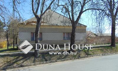 Eladó Ház, Veszprém megye, Lovászpatona, központban, nagy lehetőségek háza