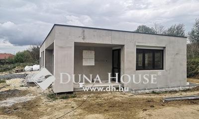 Eladó Ház, Zala megye, Zalaegerszeg, Bevásárló központok közelében
