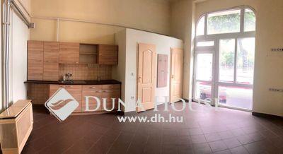 Eladó üzlethelyiség, Budapest, 14 kerület, Felújított, utcai bejáratú üzlet a Bosnyák térnél!