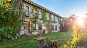 Eladó ház, Aszód, Provence-i jellegű felújítandó kúria