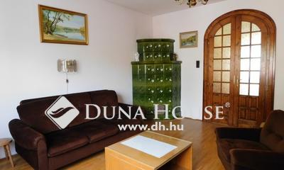 Eladó Ház, Bács-Kiskun megye, Kecskemét, Príma környéken, nappali + 4 szobás ház!
