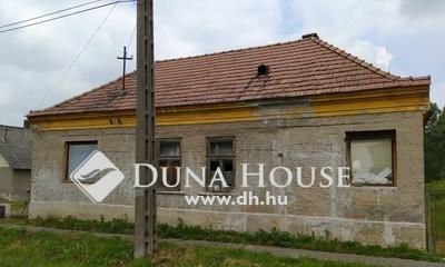 Eladó Ház, Veszprém megye, Lovászpatona, Csendes mellékutcában