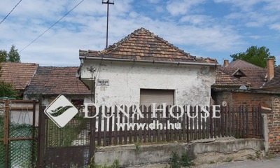Eladó Ház, Komárom-Esztergom megye, Tatabánya, Farkastó utca
