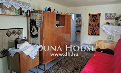 Eladó Ház, Hajdú-Bihar megye, Debrecen, Dombos
