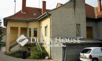 Eladó Ház, Vas megye, Szombathely, Piac közelében külön bejáratokkal ikerház