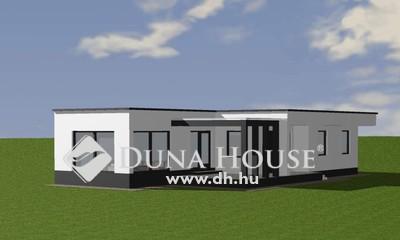 Eladó Ház, Szabolcs-Szatmár-Bereg megye, Nyíregyháza, Orosi útból nyíló utcában.