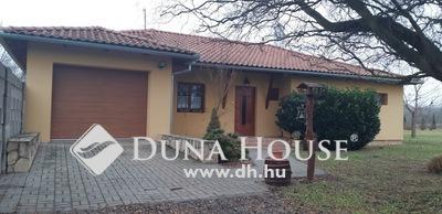 Eladó Ház, Baranya megye, Pécs, --Egyszintes, úszómedencés ház Nagyárpádon--