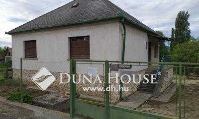 Eladó Ház, Győr-Moson-Sopron megye, Ravazd, Főút mentén, a nagy lehetőségek háza