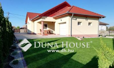 Eladó Ház, Pest megye, Tököl, Központhoz közeli