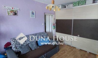 Eladó Lakás, Győr-Moson-Sopron megye, Győr, Kórházhoz közel , 3 szobás panellakás