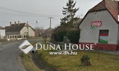 Eladó üzlethelyiség, Komárom-Esztergom megye, Tárkány, Fő út