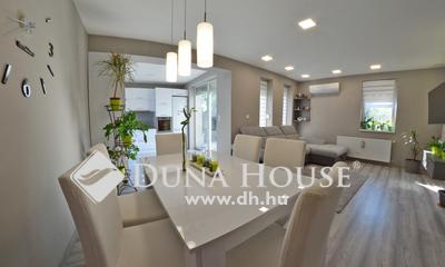 Eladó Ház, Pest megye, Vecsés, Csendes mellékutcában 5 lakószobás ikerház