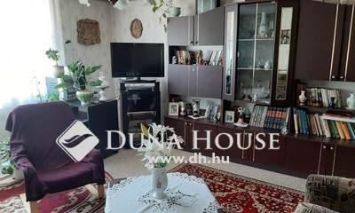 Eladó Ház, Jász-Nagykun-Szolnok megye, Jászberény, Főiskolai kollégium szomszédságában.