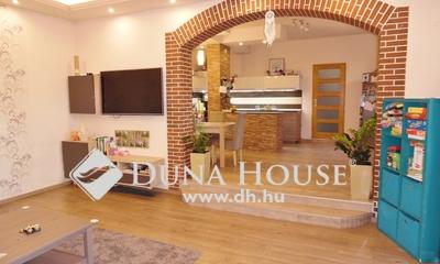 Eladó Ház, Hajdú-Bihar megye, Debrecen, Belvárosi polgári ház, üzletekkel!