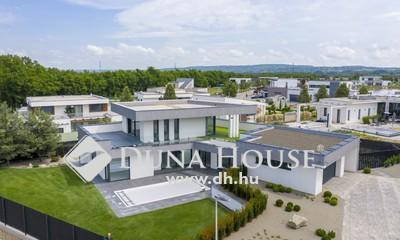 Eladó Ház, Pest megye, Mogyoród, Ikonikus, medencés luxusvilla zárt Lakóparkban!