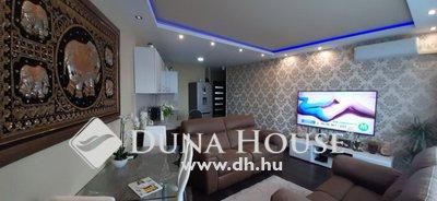 Eladó Lakás, Hajdú-Bihar megye, Debrecen, Belváros közeli, igényes lakás