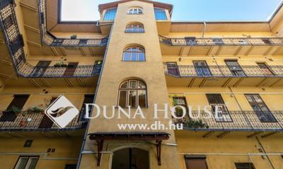Eladó Lakás, Budapest, 9 kerület, Haller utcában két szobás, felújítandó lakás