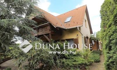 Eladó Ház, Budapest, 16 kerület, 1000nm gondozott telken, medencés családi ház