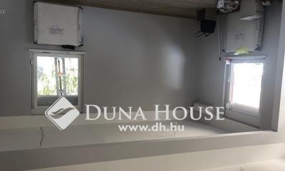 Eladó üzlethelyiség, Pest megye, Üllő, Lakássá minősítés folyamatban, nappali+3szoba