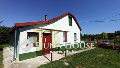 Eladó Ház, Bács-Kiskun megye, Fülöpszállás, Központban,kiválló helyen,akár két generációnak is