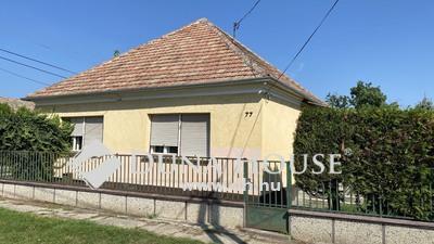 Eladó Ház, Győr-Moson-Sopron megye, Mosonszentmiklós, CSENDES UTCA
