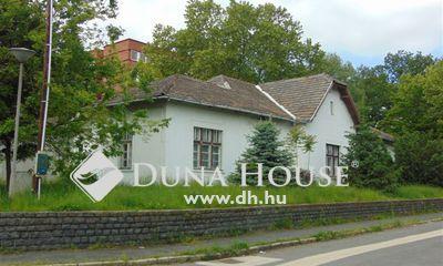 Eladó Ház, Komárom-Esztergom megye, Tatabánya, A május 1 park mellett