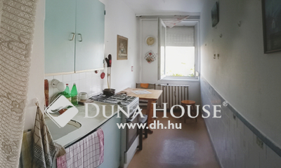 Eladó Lakás, Veszprém megye, Veszprém, Ablakos konyhás, 2 külön nyíló szobás lakás