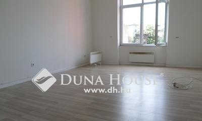 Eladó Lakás, Budapest, 8 kerület, jó állapotú, 43 nm-s, 1 szobás, szép kilátással