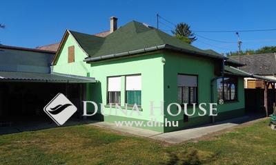 Eladó Ház, Bács-Kiskun megye, Izsák, Hangulatos családi ház a főutcán