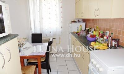 Eladó Lakás, Hajdú-Bihar megye, Debrecen, Jó állapotú 2 szobás lakás a Libakertben.