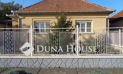Eladó Ház, Bács-Kiskun megye, Izsák, Buszmegállóhoz és Iskolához közel